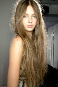Kristina Romanova(クリスティーナ ロマノヴァ)ロングヘアー